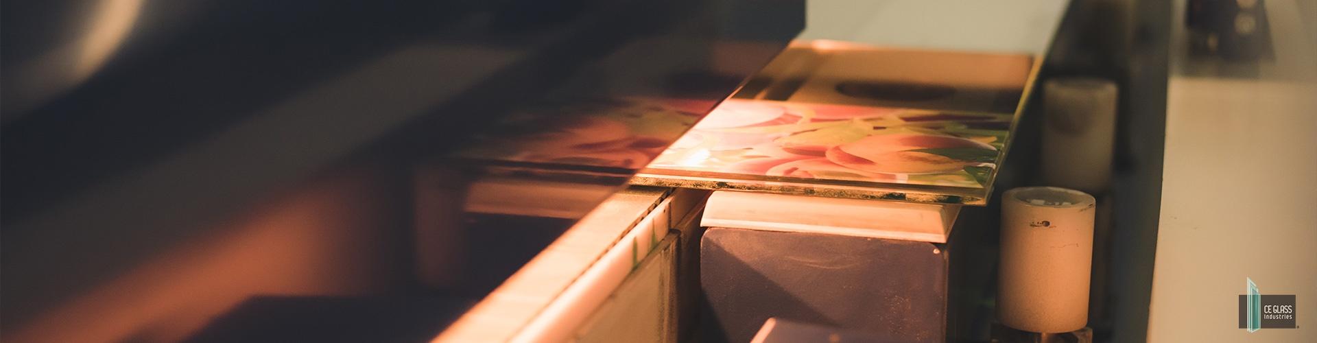 A GlassPrint, azaz kerámiaprinteres eljárás jelenleg a legkorszerűbb technológia az üvegfestés terén.